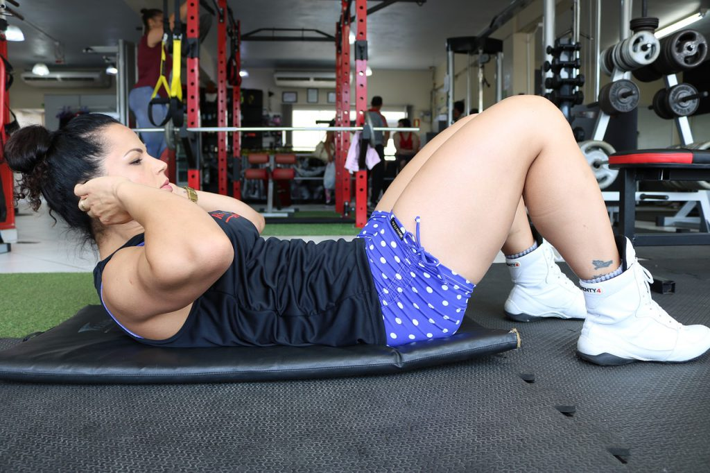 abdomên feminino definido rapidamente