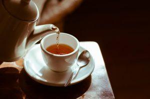 melhor chá diurético para desinchar