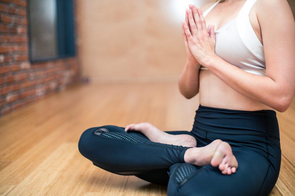 yoga faz bem para a saúde