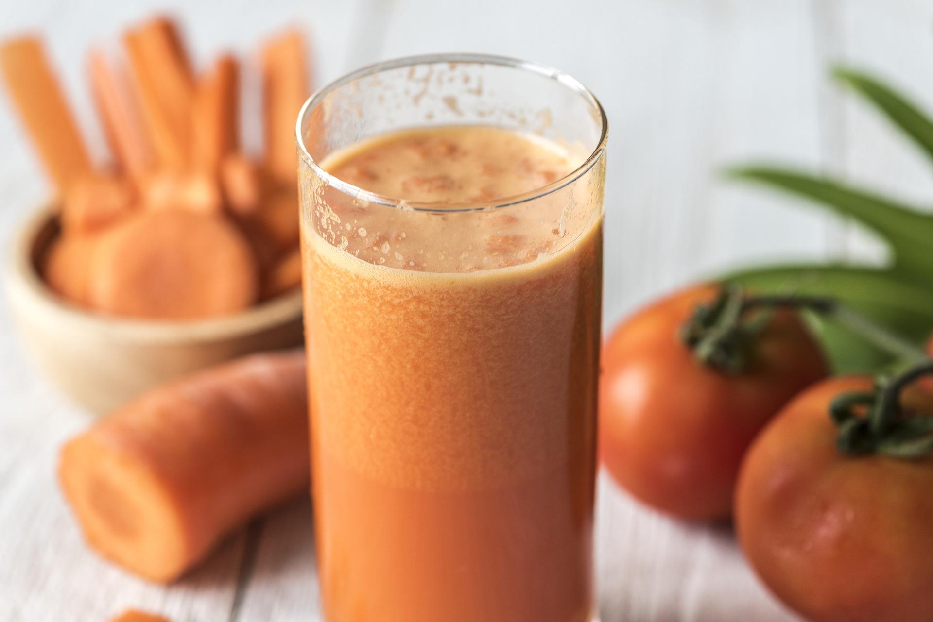 Benefícios do suco detox de cenoura